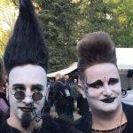 Toupierte Frisuren im Heidnischen Dorf