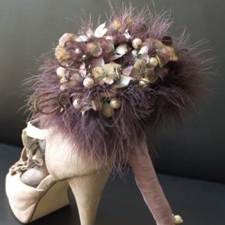 Dunkelviolettes Bouquet für die Herbstbraut