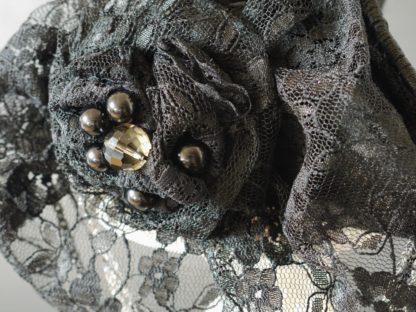 Spitze Handschuh zu Dreispitz umgearbeitet