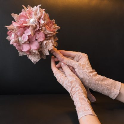Set Handschuhe und Bouquet Hochzeit