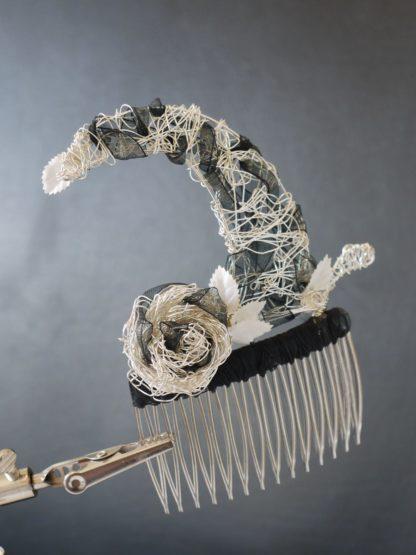 Haarkamm aus versilbertem Draht