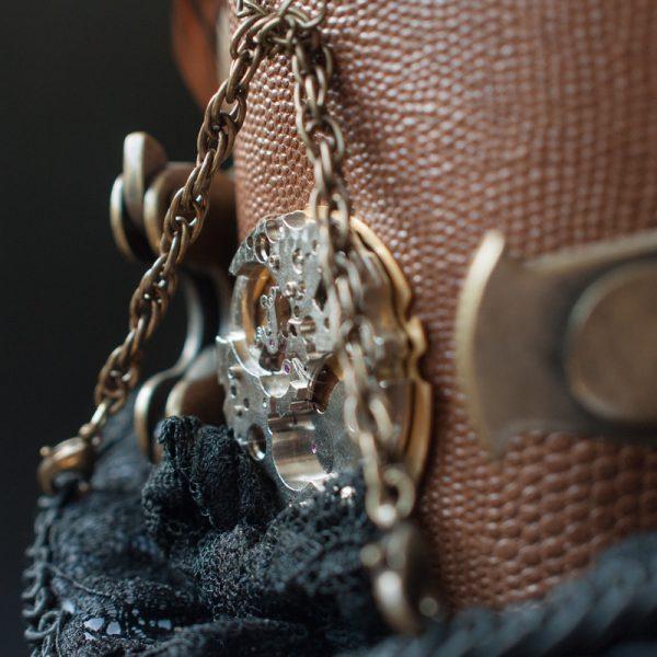 Uhrwerk und Ketten am Steampunk -Zylinder