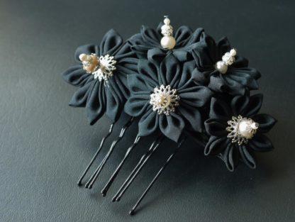 Schwarzer Haarkamm mit Perlen und Silber