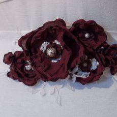 Brautgürtel mit Dunkelroten Blumen