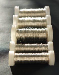 Silberdraht auf Rolle
