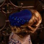 Blauer Fascinator blau Hochzeit