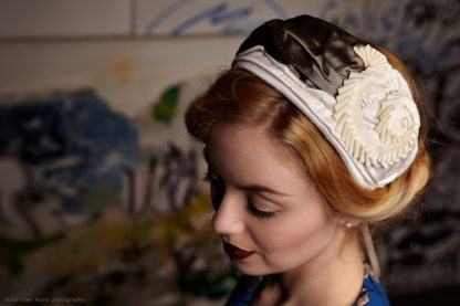 Vintage Fascinator Chapeau Creme Braun