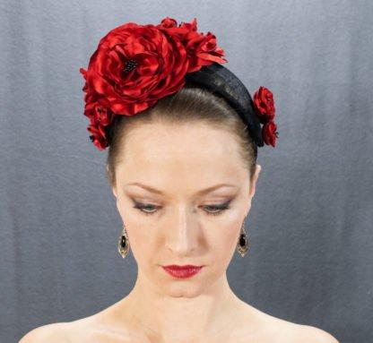 Haarreif mit roten Blumen