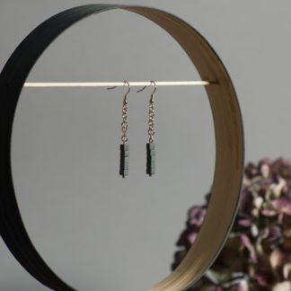 Rosegold earrings with matt grey hematites