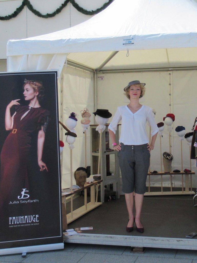Pagode mit Hutständer von Faunauge beim Moderenntag Galopprennbahn Scheibenholz 2018