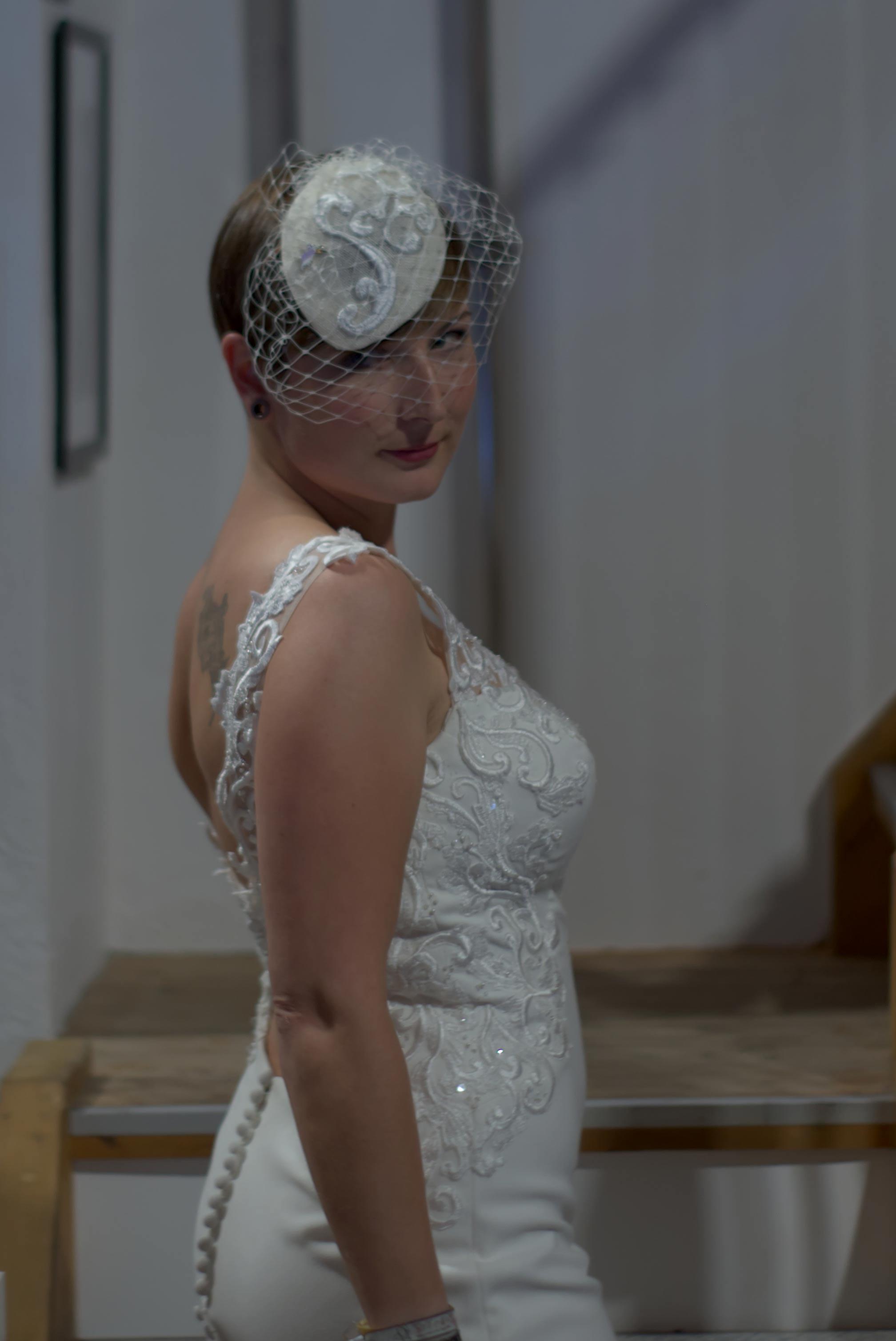 Fascinator für eine Braut