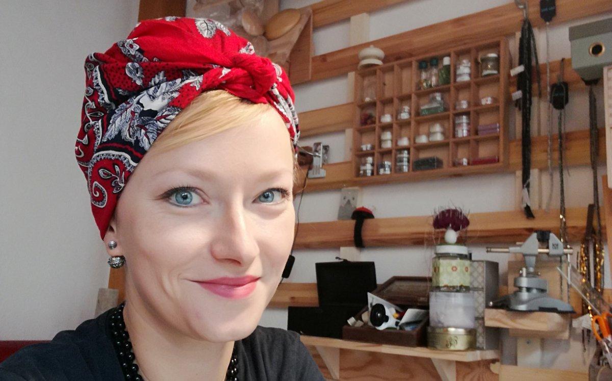 Rotes Rockabilly Kopftuch