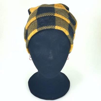 Beanie in Gelb mit dunklegrauen großen Karos
