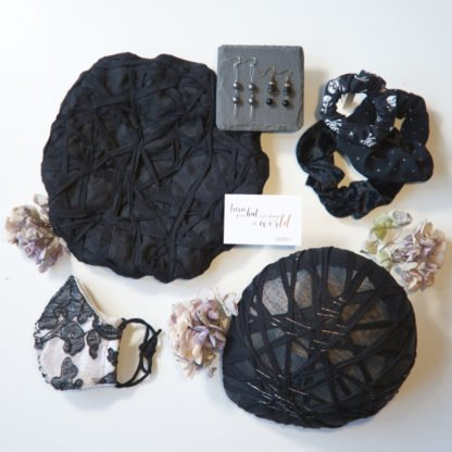 Flatlay mit Gothic Accessoires