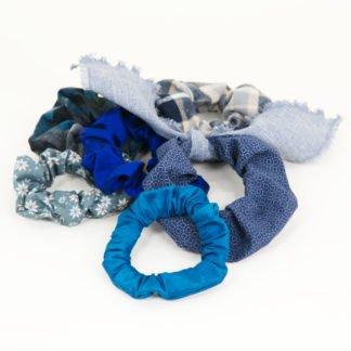 Blaue Scrunchies