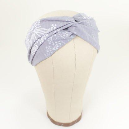 Stirnband Inge aus grauer, silber geblümter Baumwolle mit Viskose